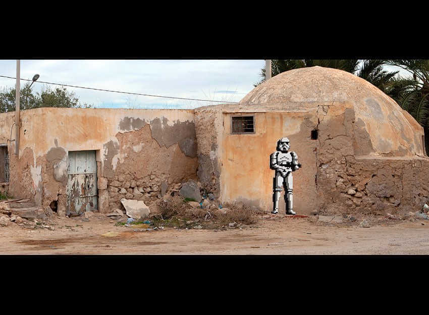 storm trooper street art de invader en Djerba