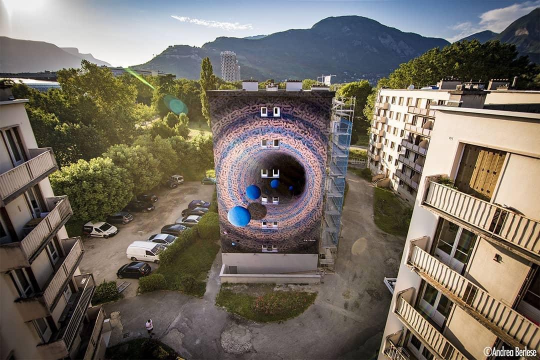 mural cosmico de izzi izvne