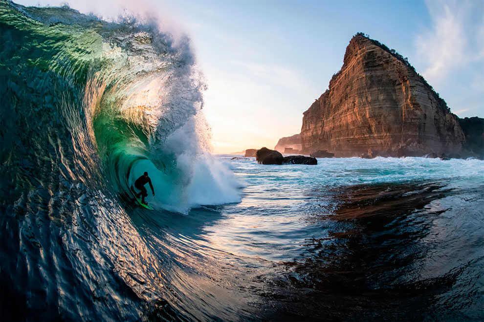 "Danny Sunset Stern"". (Fotografía de surf de Stu Gibson/Ren Mcgann) Ganadora del concurso Nikon de surf"