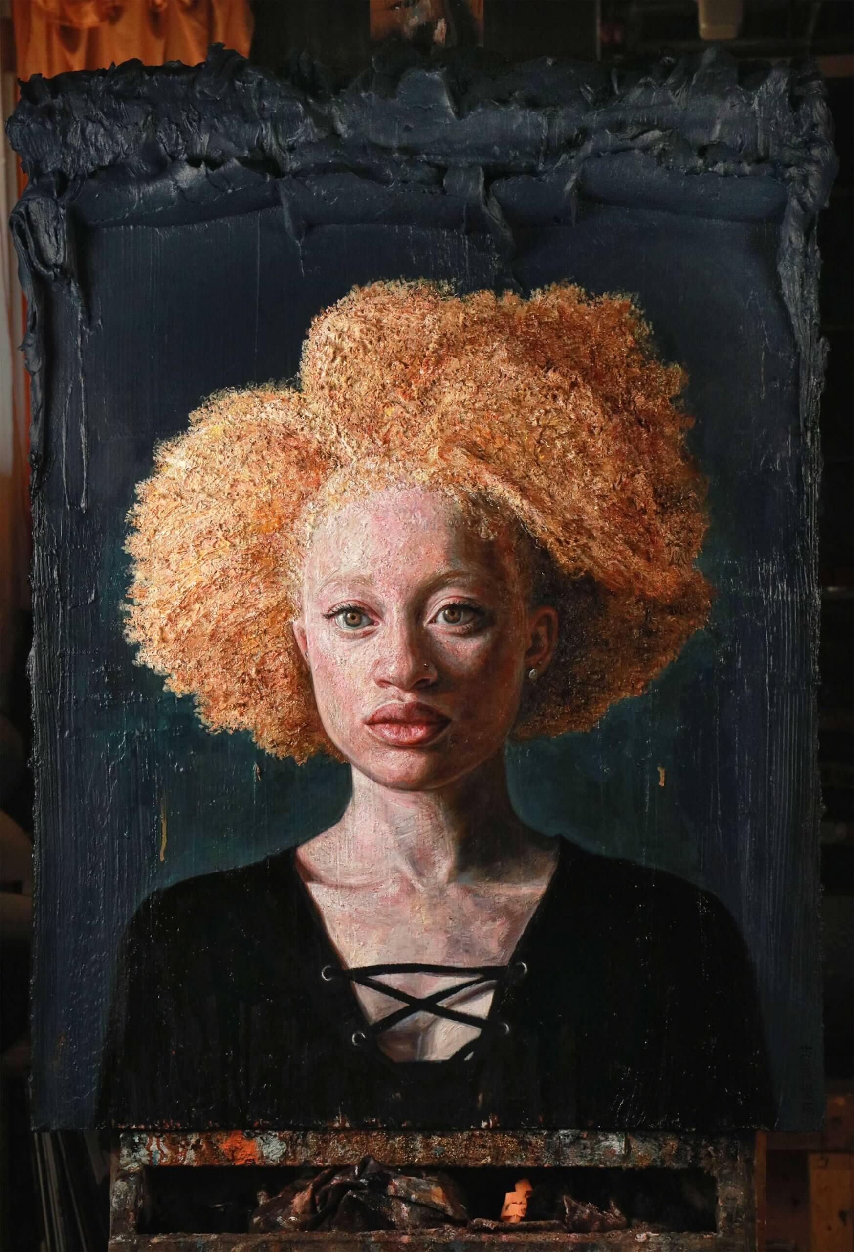Pintura de mujer de color rubia
