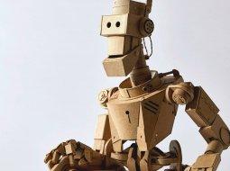 robot hehco de cartón por greg olijnyk