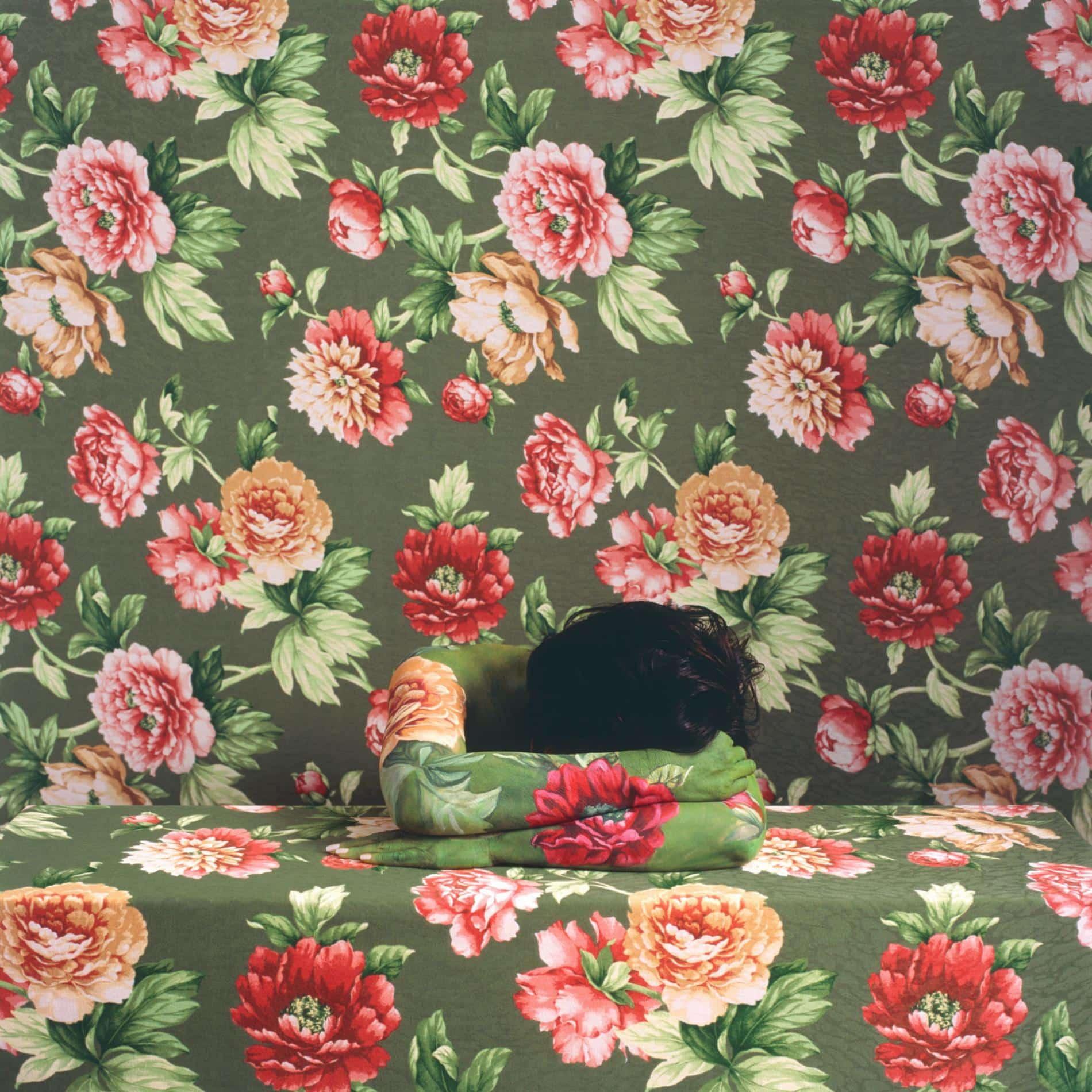 Cecilia Parades camuflaje rosas