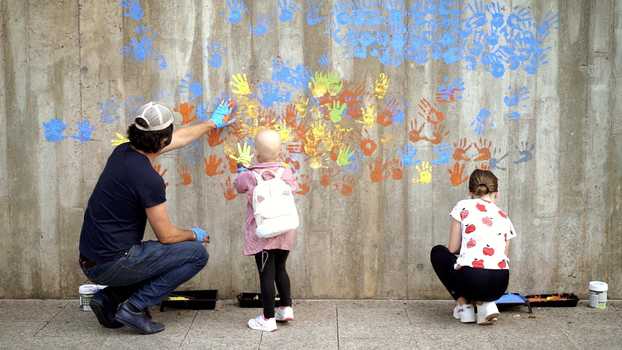 superacion street art pejac niños