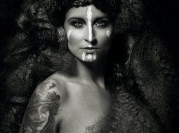 reya nyari mujer tatuaje ink stories