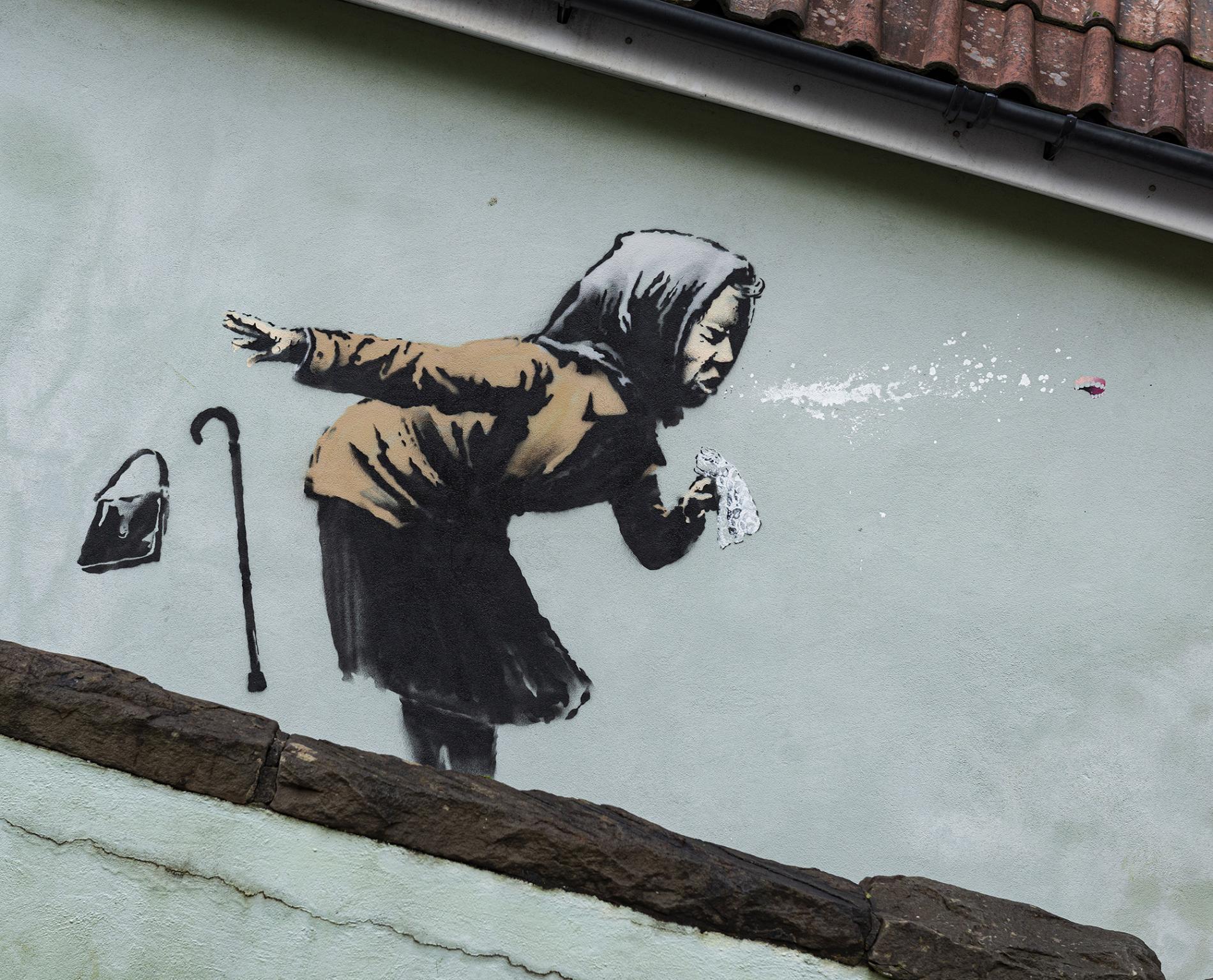 aachoo banksy anciana