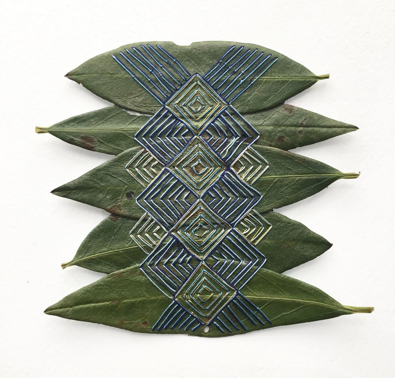 hillary bordado botanico hojas consciencia