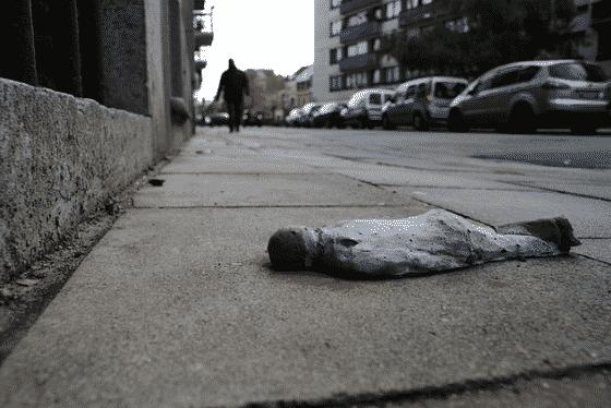 isaac cordal mini esculturas asesinado