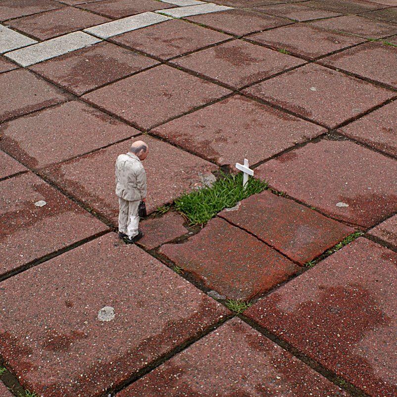 isaac mini esculturas urbanas