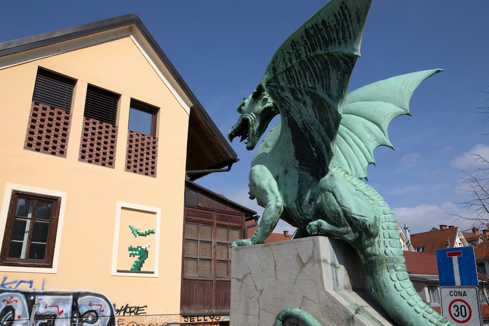 invader eslovenia dragones