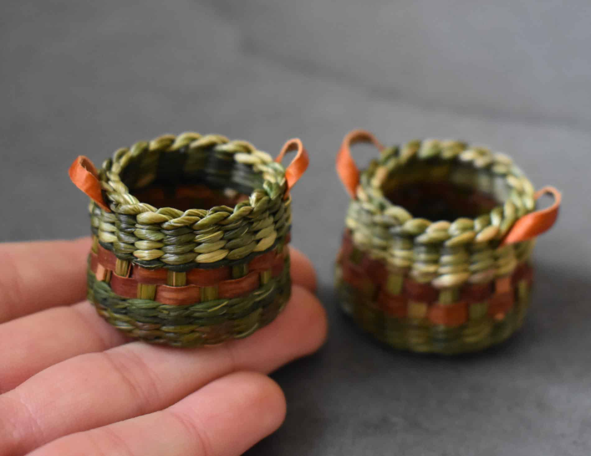 Suzie Grieve cestos miniatura cesticos