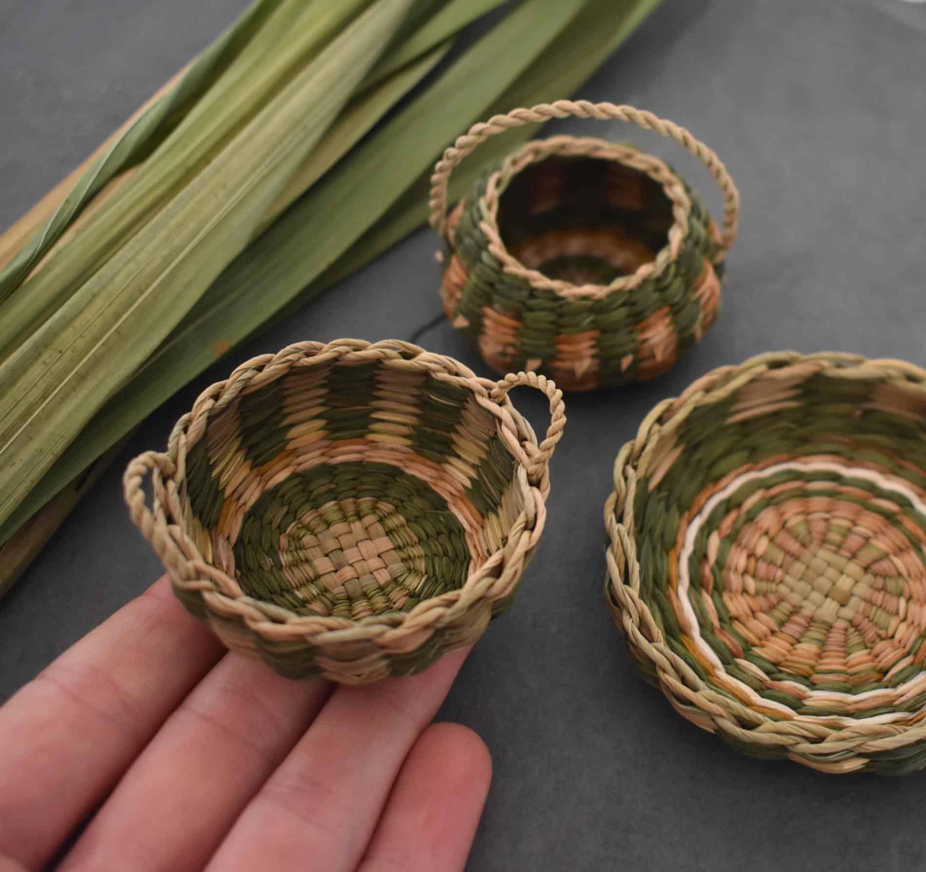 Suzie Grieve cestos miniatura