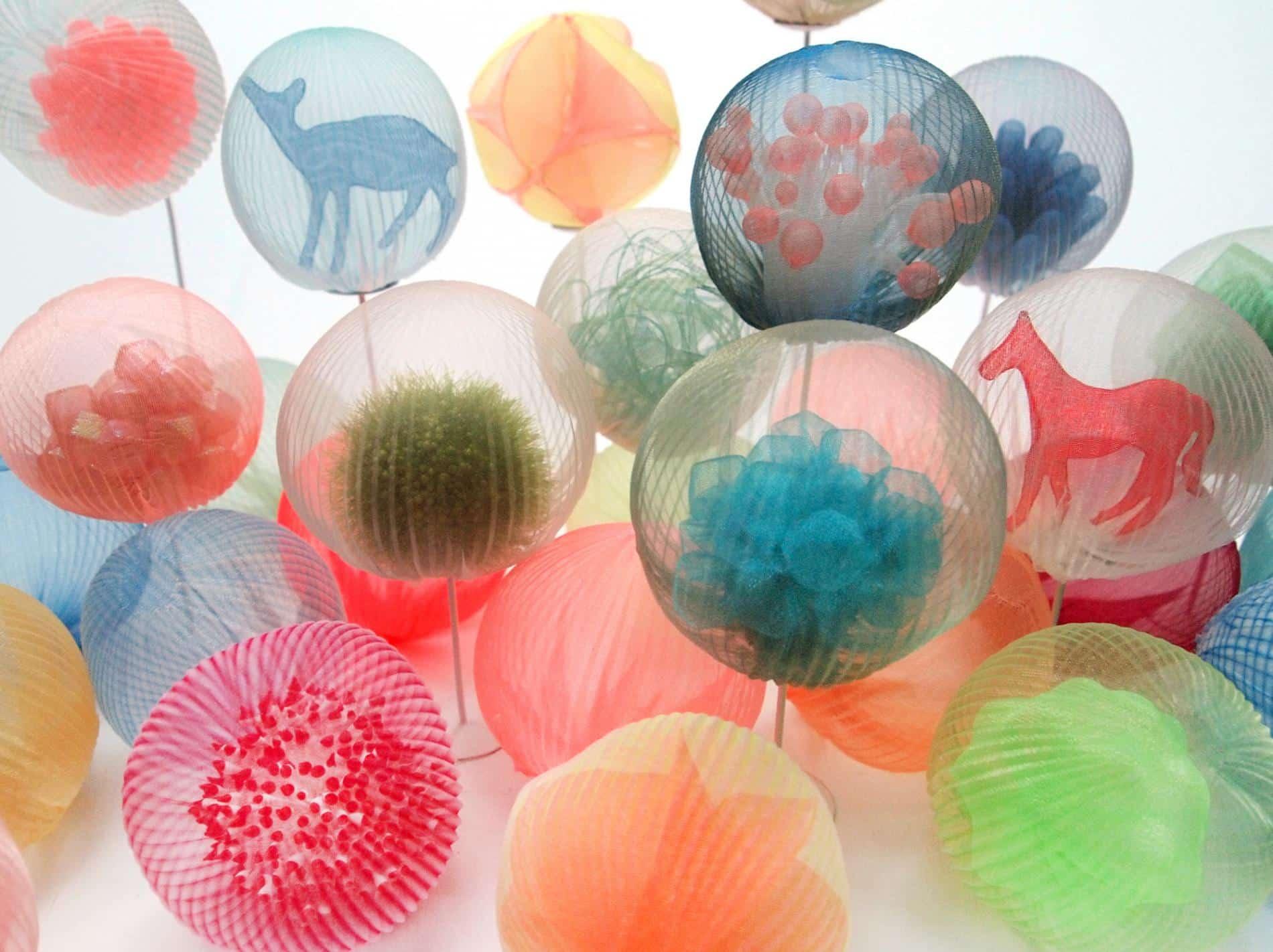 kusumoto textiles traslucidos bolas