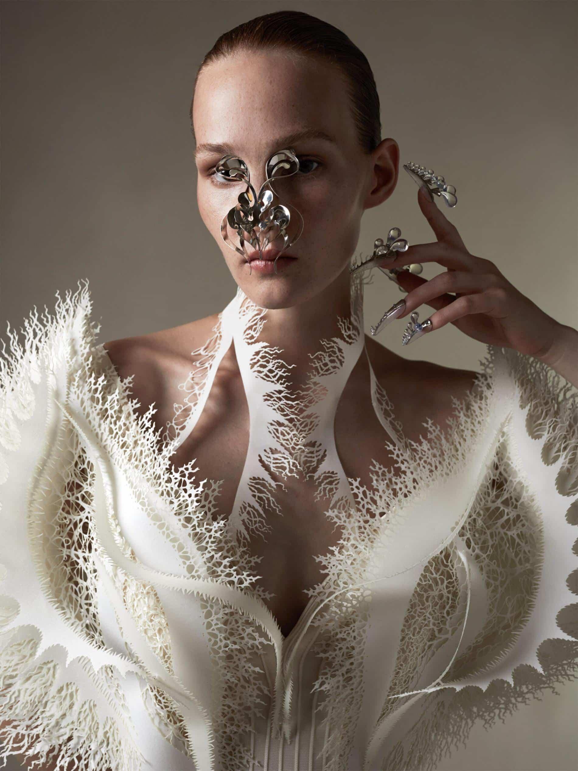 van harpen vestido plastico reciclado detalle
