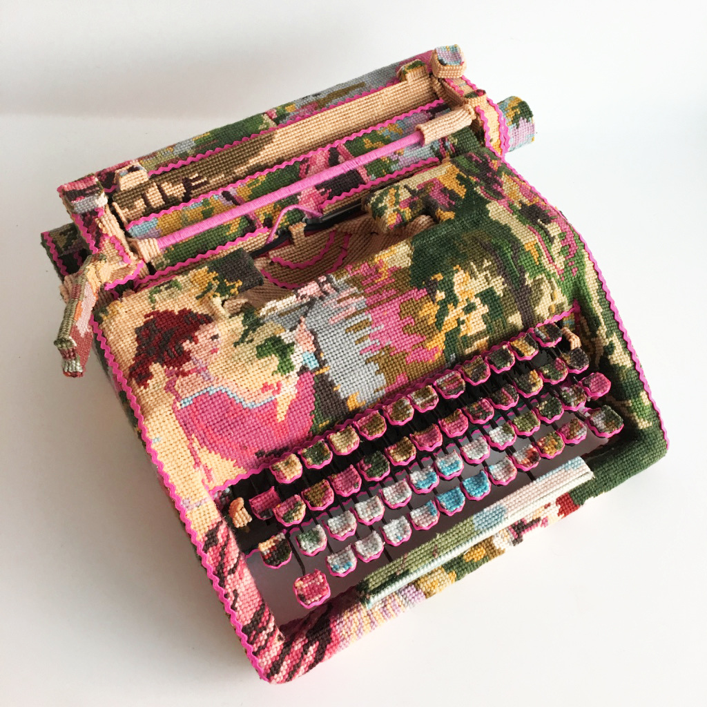 Ulla-Stina Wikander punto de cruz maquina de escribir