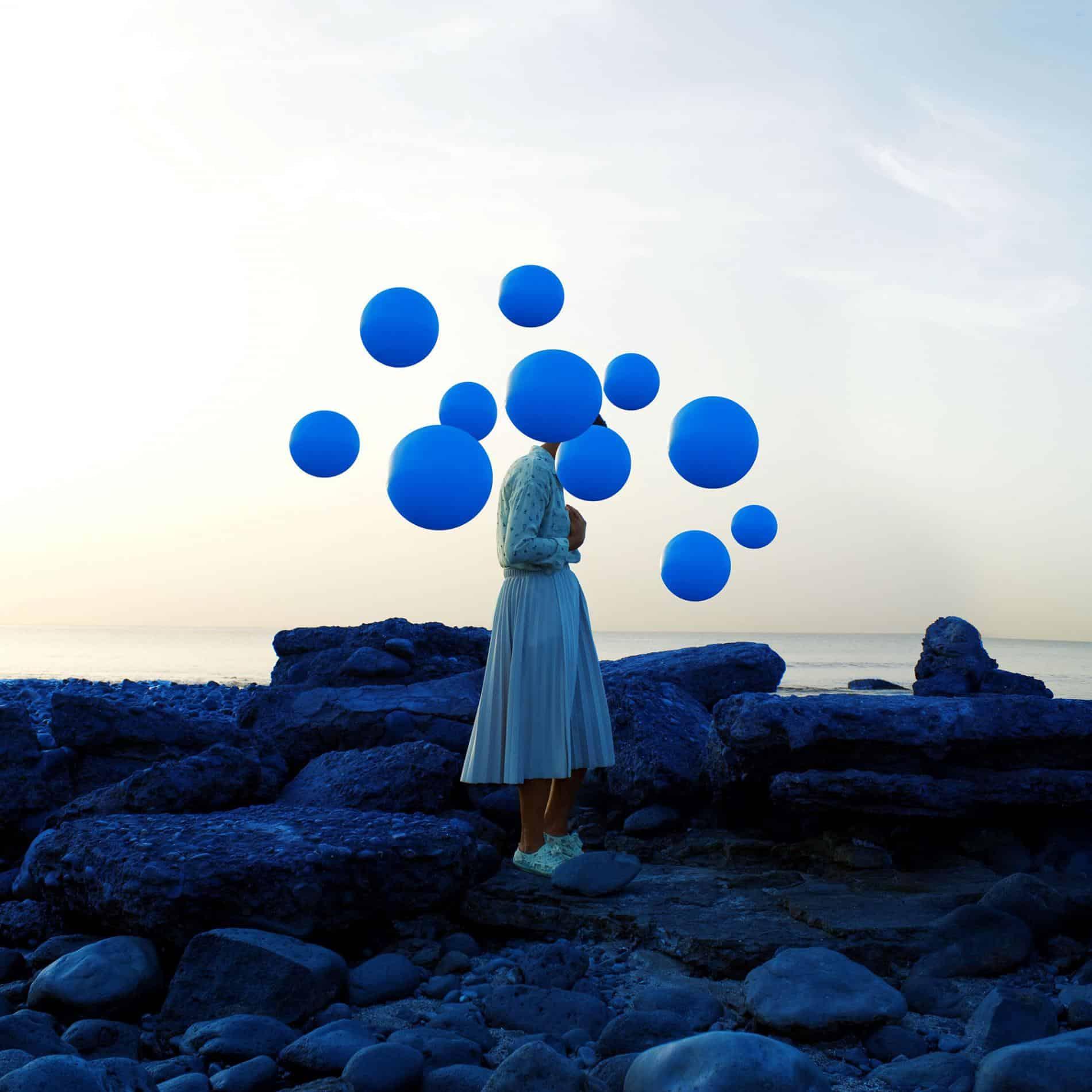 fares micue autoretrato globos blue