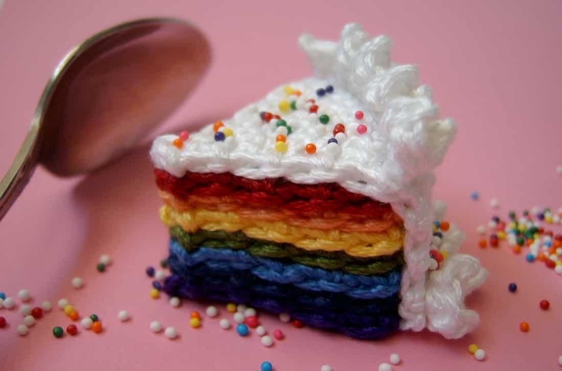 Normalynn Ablao pasta crochet rainbow cake