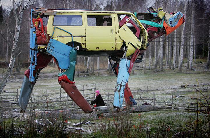 Miina escultura con coches